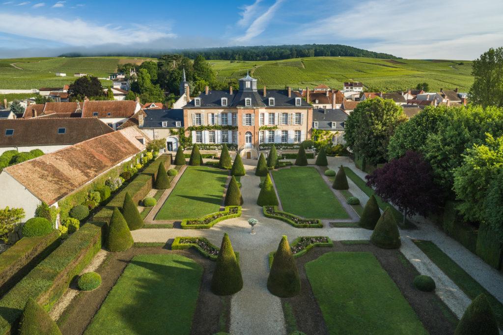 lesaulnois-demeurefamiliale-pierry-champagne-piqueniquechic-jardinalafrancaise-tasting-cuveeemblematique-blancdeblancs